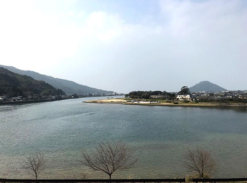 居室から見る橋本川の風景