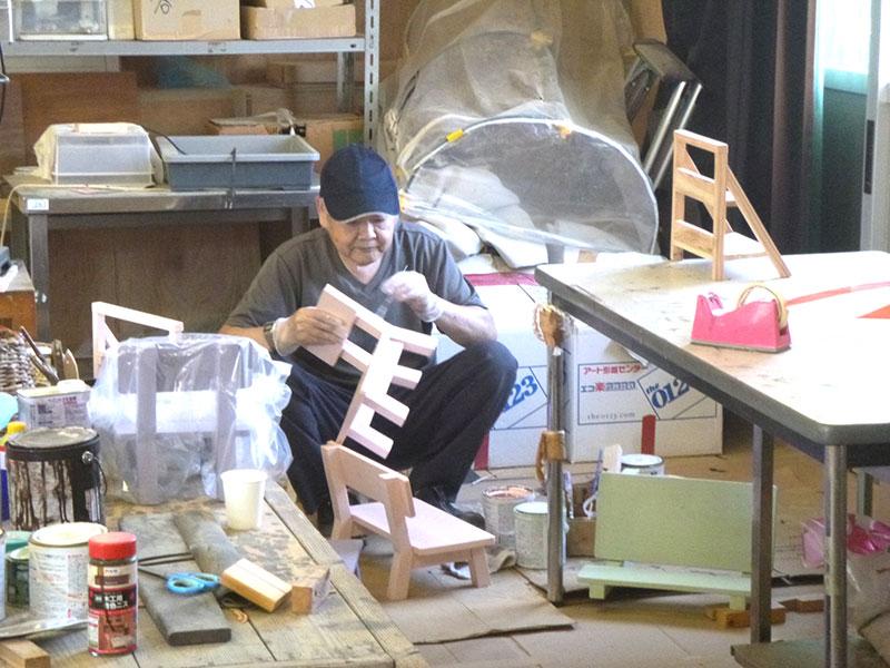 救護施設つばき木工品の制作